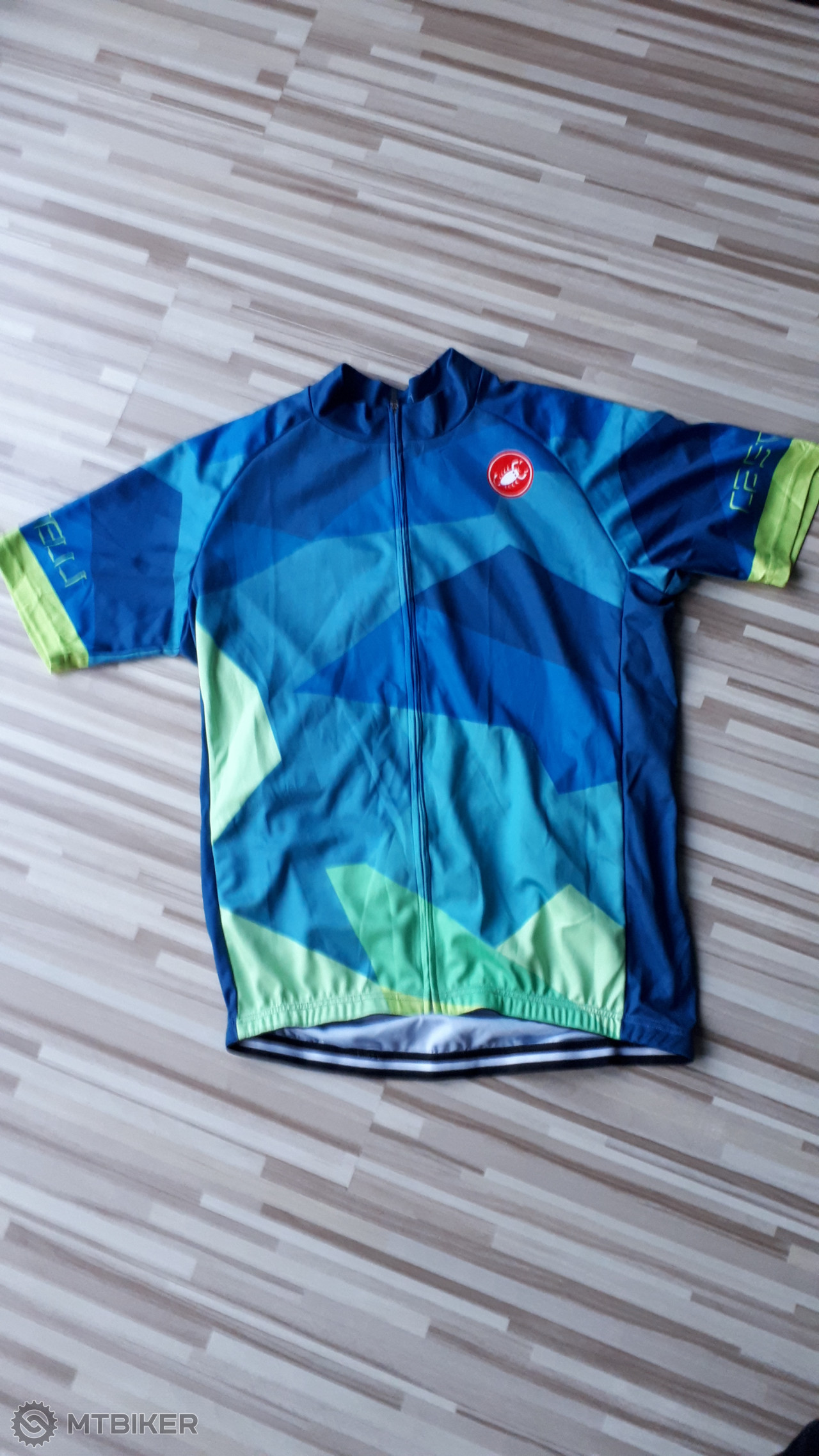 e26f8ace2ee3c Cyklodres Castelli - Príslušenstvo - Oblečenie a batohy - Bazár MTBIKER