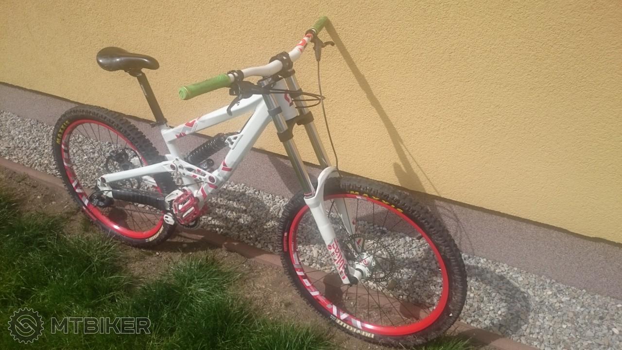 9bfbc929e Predám Málo Jazdený Scott Voltage Fr20 (l) 2013 - Bicykle - Celoodpružené - Bazár  MTBIKER