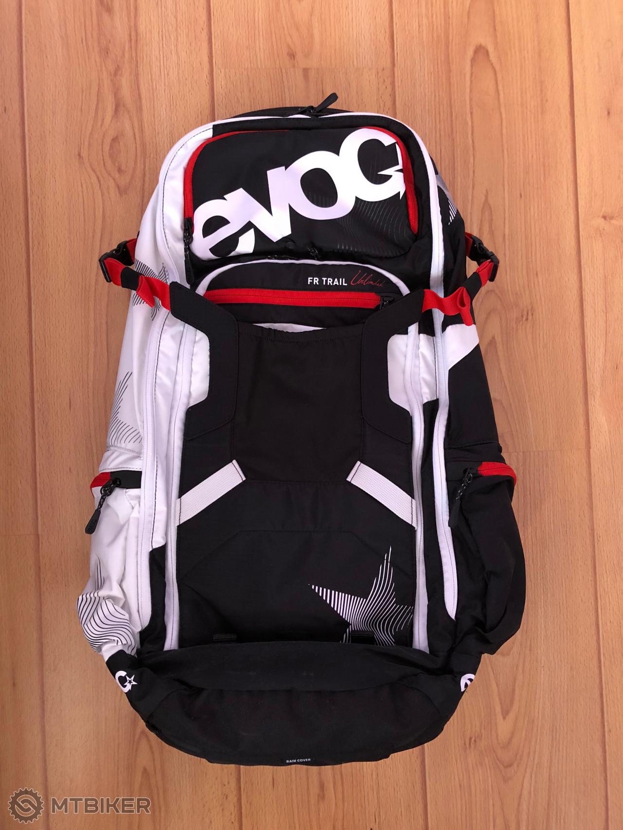 Evoc Freeride Trail Unlimited 20l Batoh Black   White   Red - Príslušenstvo  - Oblečenie a batohy - Bazár MTBIKER 64600f980a