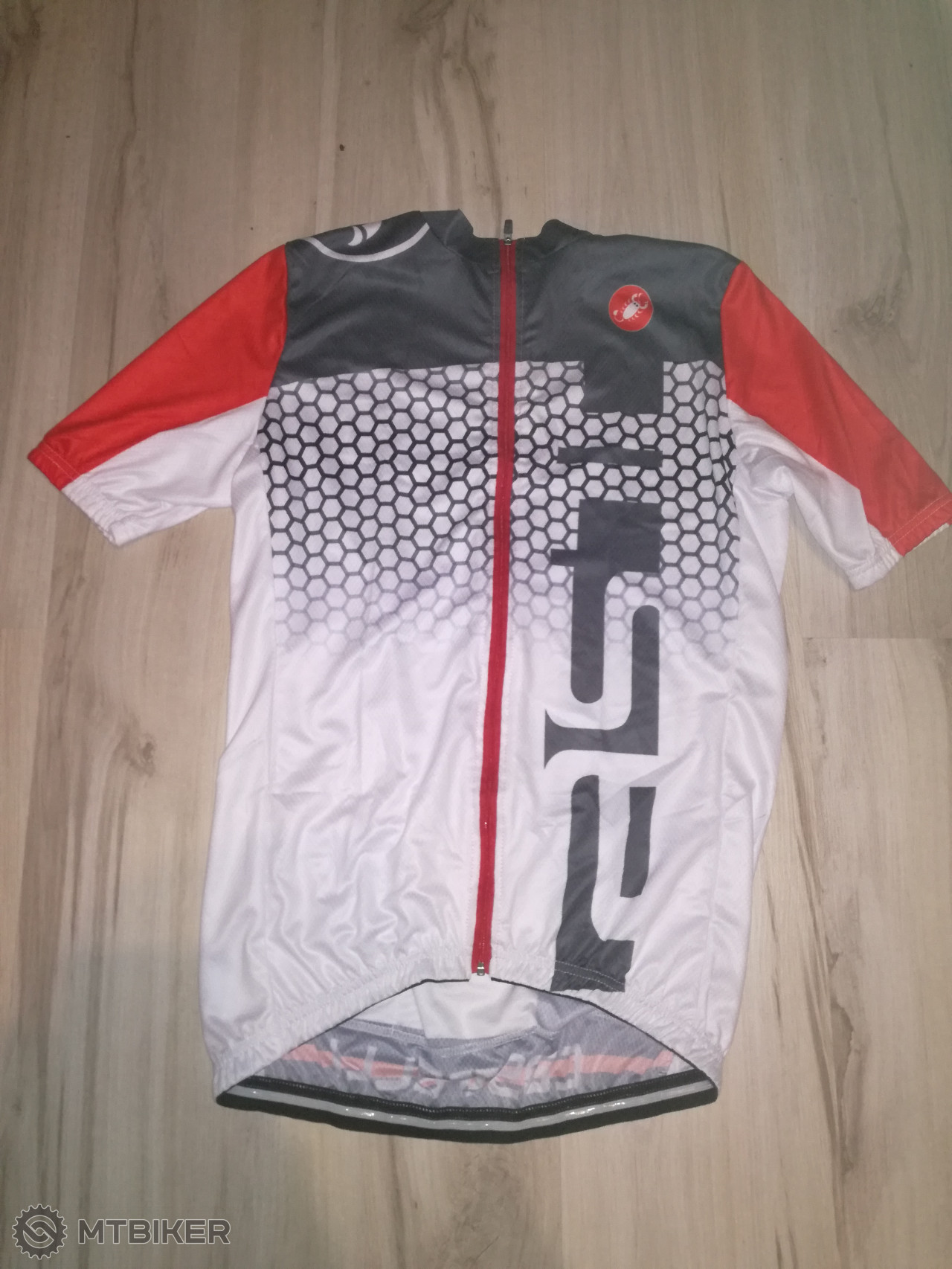 de94f11a1abe7 Cyklistický Dres Castelli - Príslušenstvo - Oblečenie a batohy - Bazár  MTBIKER