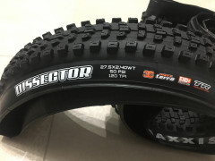 "Maxxis Dissector 27.5x2.40"" Wt Exo+ Tr 120 Tpi 3c Maxx Terra Plášť Kevlar"