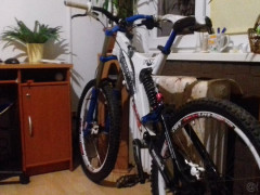 Predám Tento špičkový Zjazdový Bicykel Bez Akýchkolvek Dalších Investícií