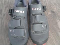 Giro Manta R