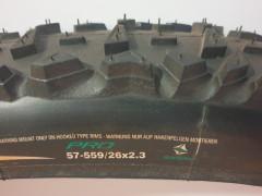 """Nejazdený Continental Slash Pro 26x2,3"""" Kevlarová Pätka"""