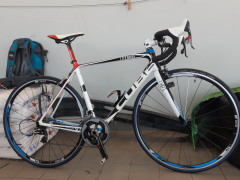Predám Cestný  Carbon Bike Cube,vel 56