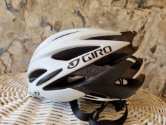 Predam Cyklisticku Prilbu Giro Savant
