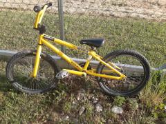 Predám Starý Bmx Bicykel, Možno Ešte Niekomu Poslúži