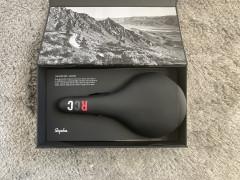 Predam NovÚ Sedlovku - Rcc Pro Team Carbon Saddle - 145mm. Pc: 345€, Aktualna Cena:100€