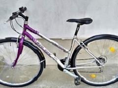 """Cestný Trekingový Bicykel Red Fox Cross 18"""" Crmo Rám 28"""" Kolesá 3x6 Prevodov Shimano"""