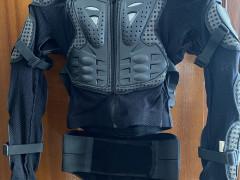 Fox Hrudný Chránič Titan Sport, čierna
