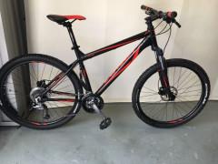 Predám Zánovný Horský Bicykel Univega Vission 3.0