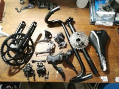 Predam Rôzne Komponenty Na Cestny Bicykel