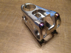 Predstavec 50mm, 31.8mm Strieborný