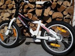 """Predám Značkový Chlapčenský Bicykel Ghost 16"""" Spolu S Helmou"""