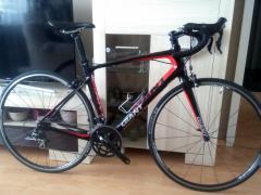 Cestný Karbonový Bicykel Giant Defy Advanced 3