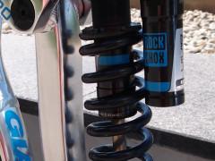 Rock Shox Vivid R2c - Výmena, Top Stav