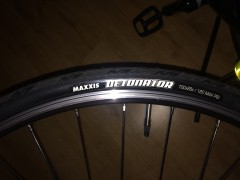 2x Maxxis Detonator 700/28