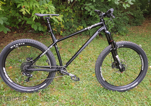 Commencal Meta HT AM - right side