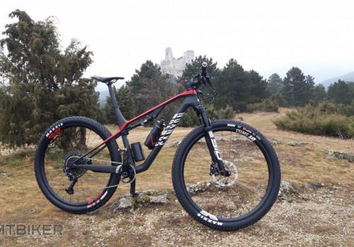 Canyon LUX CF SLX 9