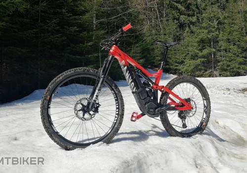 bicygľa na snehu