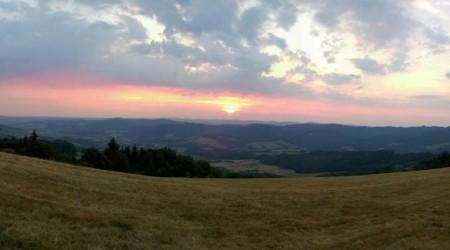 Pokračovanie: Z Moravy na Kysuce - Pekelné teplo aj veľa defektov