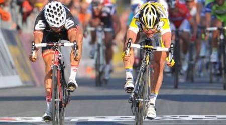 Tretí tohtoročný triumf Cavendisha, Velits zostáva 7.