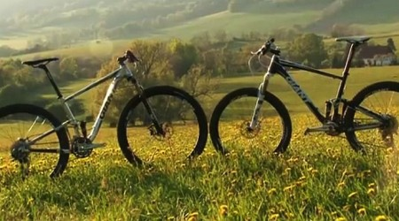 """Večná téma bike 26"""" vs 29"""" - presné meranie výkonu"""
