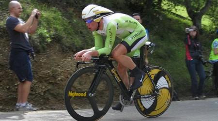 Petacchi víťazom 2. etapy, Cavendish do ružového