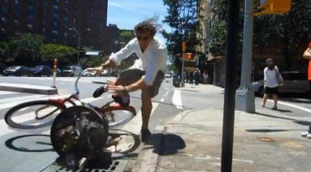 Keď sa musí jazdiť v cyklistickom pruhu