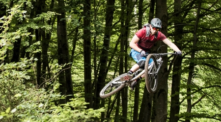 Prilby Alpina – povinná výbava každého cyklistu