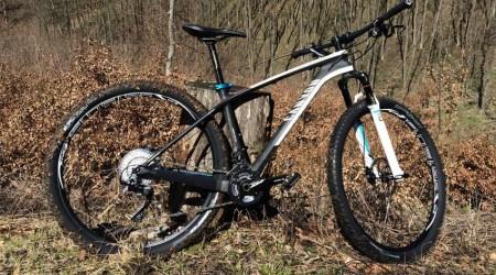 Test: Bike GRAND CANYON CF SL 8.9 - Pretekár, ktorý posunie vaše schopnosti vpred