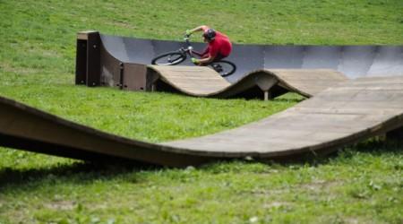 Pumptrack v novom bike parku kúsok od hraníc