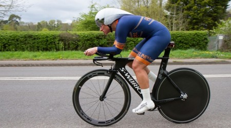 Mullerová zvládla na bicykli rekordných vyše 1 800 km