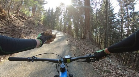 Jedlo a cyklistika – čo, kedy a koľko