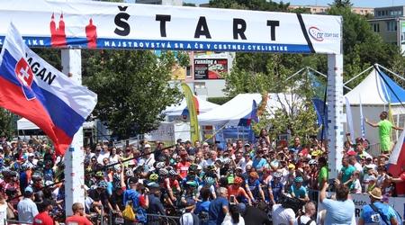 Reportáž: Majstrovstvá SR a ČR v cestnej cyklistike - na štarte s profíkmi