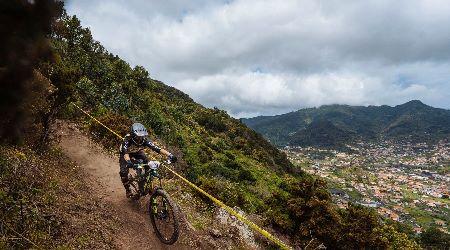 Tretie kolo Enduro World Series sa odohralo na Madeire