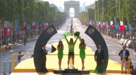 Froome žltý a Sagan zelený aj v Paríži, pričom Sagan takmer vyhral aj poslednú 21. etapu