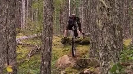 Videoklip plný pádov - stačí moment nepozornosti a dá sa aj lietať