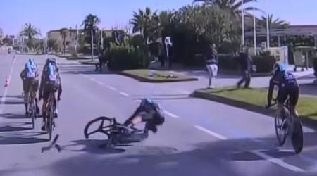 Video: Jazdcovi tímu Sky prasklo počas časovky predné karbónové koleso