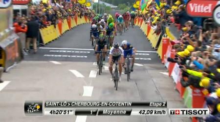 Peter Sagan víťazom 2. etapy a oblečie sa do žltého