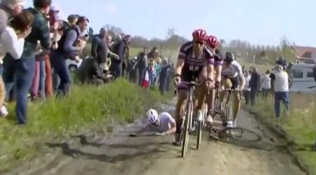 Vysoká škola jazdeckej techniky Petra Sagana: Ako sa preskakuje padnutý cyklista na Paríž-Roubaix