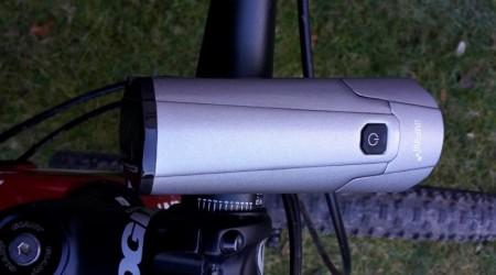 Test: Svetlo Infini Tron 800 - všestranné svetlo aj na nočné výjazdy