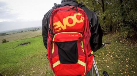 Test: Batoh Evoc Freeride Trail Team 20 - jednoducho skvelý batoh na celodenné výjazdy