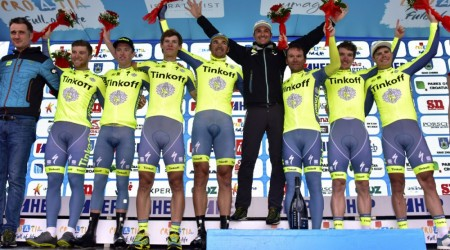 Tinkoff s triom Slovákov vyhral tímovú časovku
