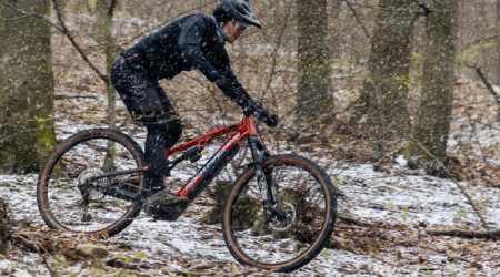 Video: Rock Machine Blizzard INT e50 - nový motor Shimano EP8
