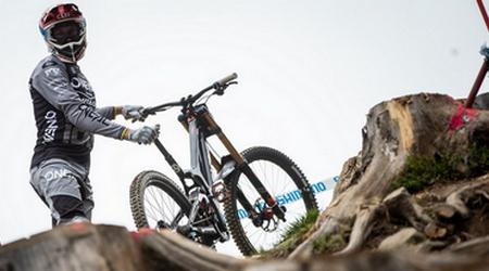 Zaujímavosti zcyklistiky – zranenia, svetové jazdenie, či podporme cyklistov