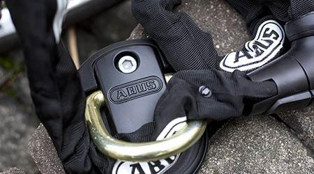 Sistotou na bicykli kamkoľvek - poistenie od Generali vspojení so zámkami ABUS