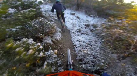 Video: Sneh si užívajú aj španielski jazdci v Alicante