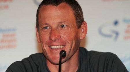 Armstrong povzbudzoval jazdcov k dopingu, tvrdí Hamilton