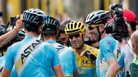 Až sedemnásť cyklistov v službách Astany je namočených do podvodu s dopingom